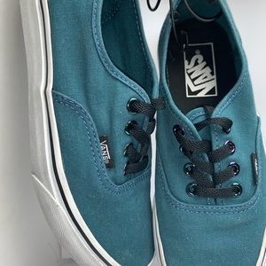 Vans Shoes - Vans Shoe Off The Wall Men 4.5 COMFORTABLE CLASSIC